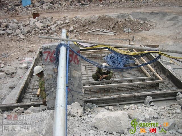沉降仪安装埋设调试现场照片