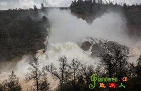 美国最高水坝出现缺口可能溃坝 附近居民紧急疏散